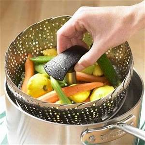 Difference between boiling and steaming vegetables ...