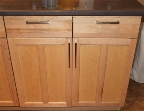 shaker cabinet hardware placement 7 best images about kitchen cabinet handle placement on