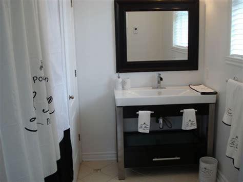 r 233 nover une salle de bain avec un tout petit budget