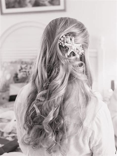 14 perfect beach chic hairstyles for a waterside wedding