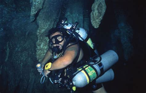 Tech Diving Rebreathers Offer Great Advantages