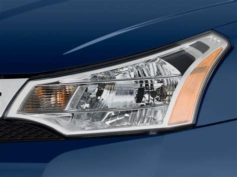 2010 ford focus 4 door sedan se headlight