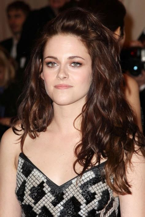 kristen stewart sexy unruly wavy hairstyle  long hair