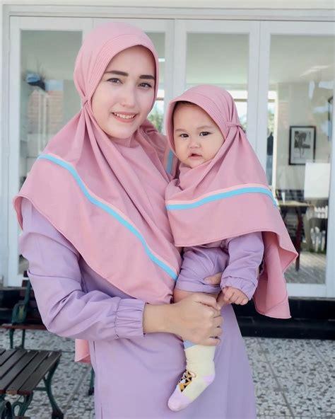 potret lucu bayi artis pakai hijab gemesnya nggak ketulungan