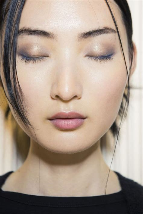 Maquillage yeux tout savoir et l'actualité sur Maquillage yeux