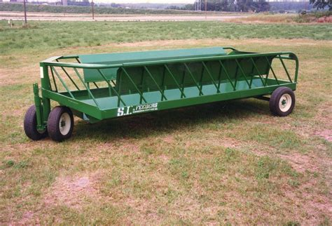 hay feeders for product spotlight feeder wagons farmers line