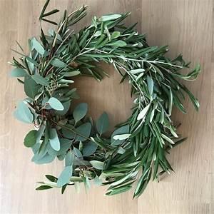 Kränze Binden Efeu : oliven eukalyptuskranz binden step by step mit video ~ Watch28wear.com Haus und Dekorationen