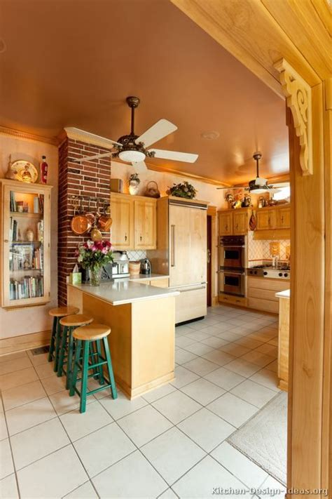 Kitchen Ceiling Fan Ideas by Country Kitchen Design Pictures And Decorating Ideas