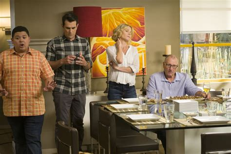 modern family season 8 episode 1