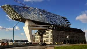 Le De Bureau Architecte Ancienne by Les Incroyables R 233 Alisations De L Architecte Zaha Hadid
