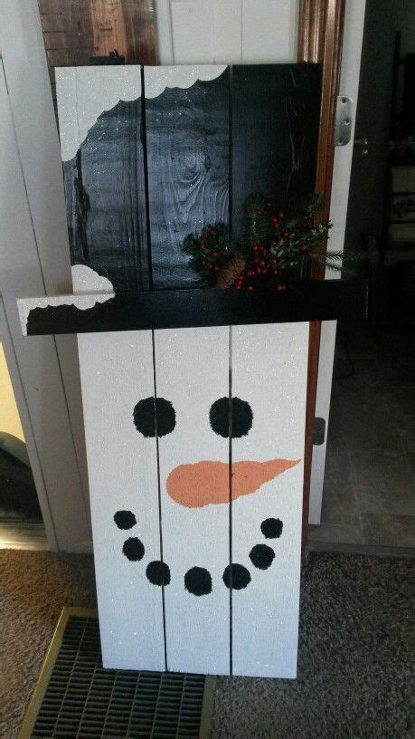 wooden snowman  painted christmas crafts pallet