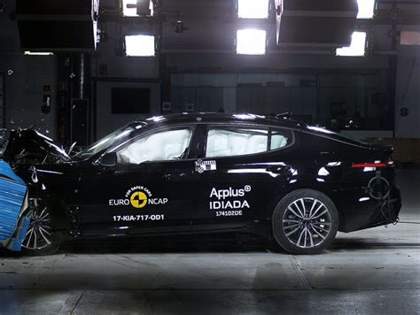 crash test si鑒e auto crash test ncap dicembre 2017 6 auto a 5 stelle info utili panoramauto