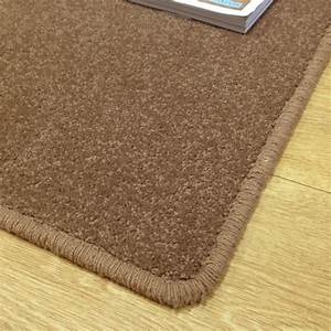 Tapis Couleur Taupe : tapis sur mesure en laine couleur marron taupe ~ Teatrodelosmanantiales.com Idées de Décoration