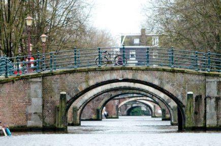 dans le port d amsterdam tab dans le port et les rues d amsterdam g 233 rard coderre belgique et pays bas