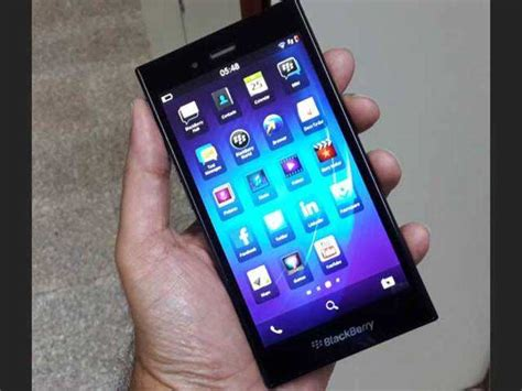 blackberry z3 smartphone launched at rs 15 990
