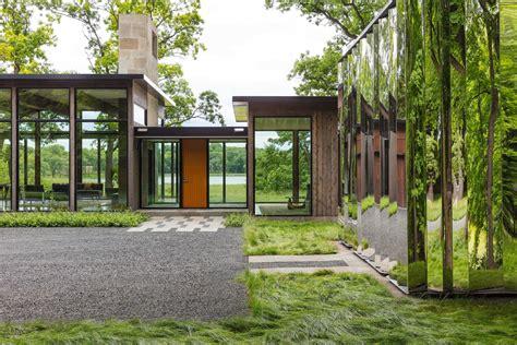 glass house  shiny shed merge  nature