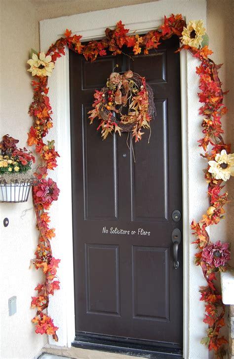 fall door 47 cute and inviting fall front door d 233 cor ideas digsdigs