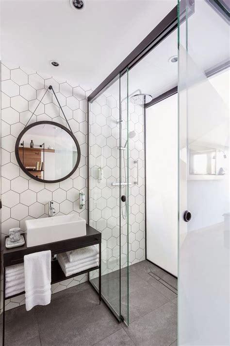 papier peint salle de bain harmonie avec showroom salle de bain carrelage salle de bain