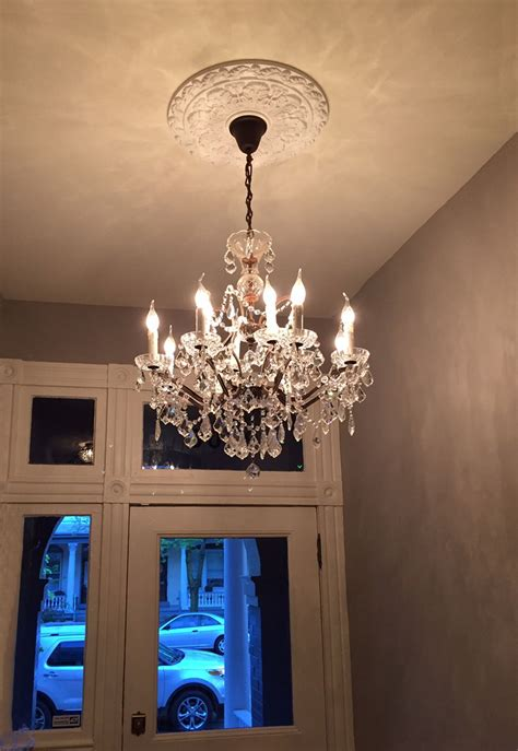 what size medallion for chandelier ceiling decor with