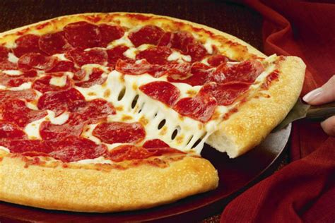 pizza hut reports slumping sales   love affair