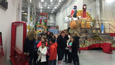 sneak peek macys thanksgiving day parade floats