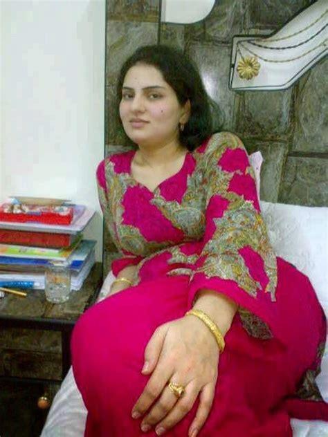 Big Gaand In Salwar Tight