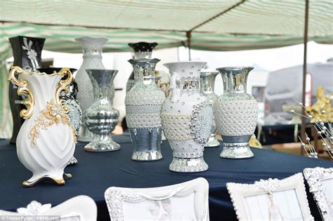 Travellers Shop For Bling At Kenilworth Horse Fair