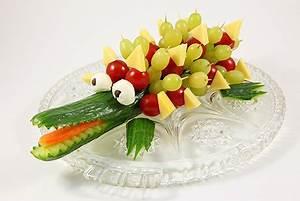 Gemüse Krokodil Anleitung : gurkenkrokodil rezept ~ Markanthonyermac.com Haus und Dekorationen