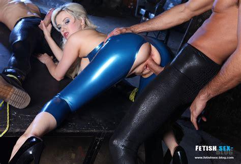 Syren Sexton Rubber Spitroast Fetish Sex Blog