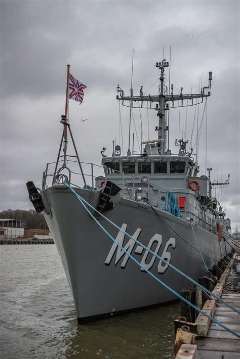 Jūras spēku Mīnu kuģu eskadras ūdenslīdēju komandas ...