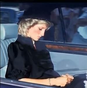 Grace Kelly Beerdigung : 25 best ideas about princess diana funeral on pinterest diana funeral princes diana death ~ Eleganceandgraceweddings.com Haus und Dekorationen