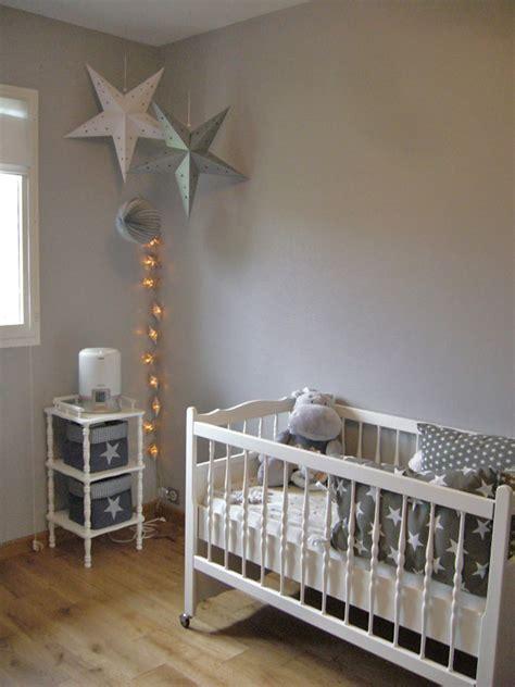 chambre fille etoile une chambre de bébé étoilée sous le lantern
