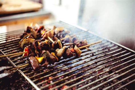 charcoal grill grilling tips