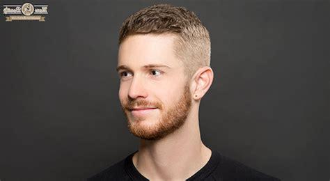 moderne frisur männer jungs haarschnitt kurz undercut