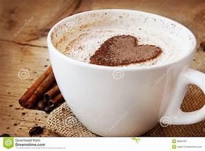 Kaffeetasse Mit Herz : herz form kaffeetasse stockbild bild von zimt getrennt 38581267 ~ Yasmunasinghe.com Haus und Dekorationen