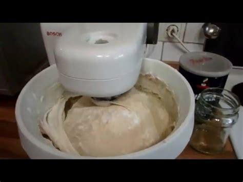 bosch küchenmaschine 1 kg mehl teig kneten mit der k 252 chenmaschine bosch mum4 220 berladen