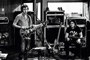 Confirmado: Arctic Monkeys están grabando su nuevo álbum ...