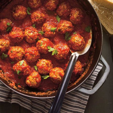 boulettes de viande sauce tomate cuisine italienne boulettes de viande à la sauce tomate ricardo