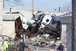 Ex-Oklahoma Sooners quarterback turned plane engines off ...