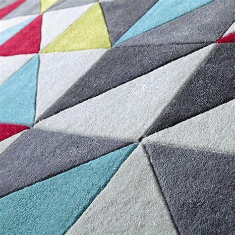 tapis 224 poils courts 140 x 200 cm colors maisons du monde