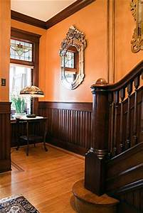 Victorian interior design lovetoknow for Victorian style interior paint colors