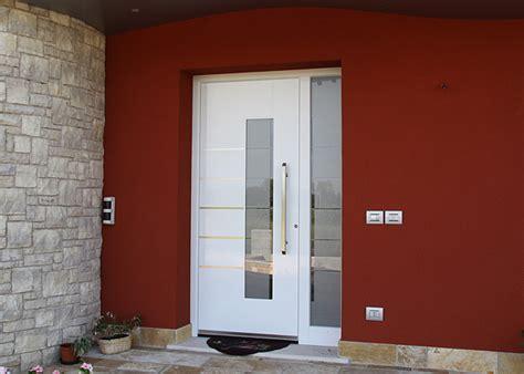 porte ingresso con vetro portone in vetro come sceglierlo portoni it
