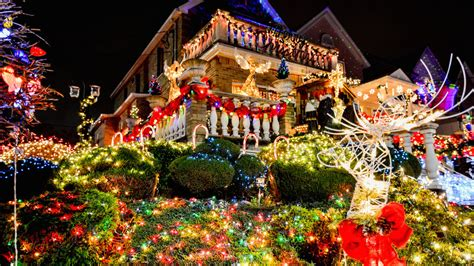 Open Thread Which Nyc Neighborhood Has The Best Christmas Decorations?  Curbed Ny