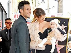 Adam Levine And Behati Prinsloo U0026 39 S Baby Girl Is So Cute