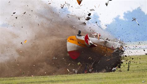 Pilot in Wing Walker Crash Had Clean Safety Record, Says FAA