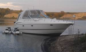 Cruisers Yachts 370 Express 2004 For Sale For  100 000