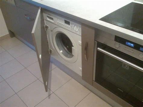 lave linge dans cuisine bar sur mesure meuble hotte armoire 233 picerie prise d angle prise int 233 gr 233 e plan de