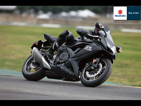Suzuki Gsx 150 Bandit Wallpaper by Moto Show Suzuki Gsx R 750 2011
