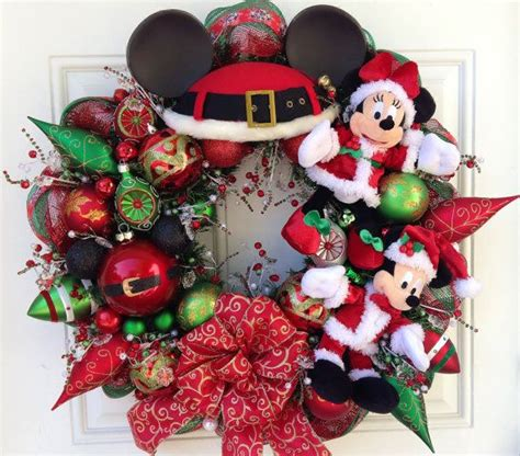 mickey  minnie santa claus wreath wreaths pinterest