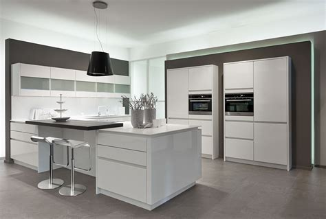 cuisine mur meuble blanc cuisine blanche laque stunning cuisines fly taupe et